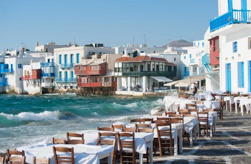 جزیره محبوب میکونوس در یونان