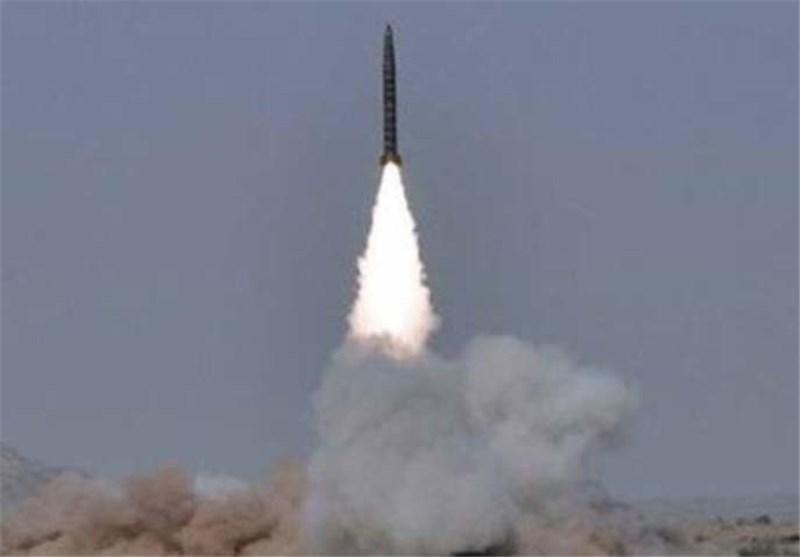 پاکستان یک موشک بالستیک با قابلیت حمل کلاهک هسته ای آزمایش کرد