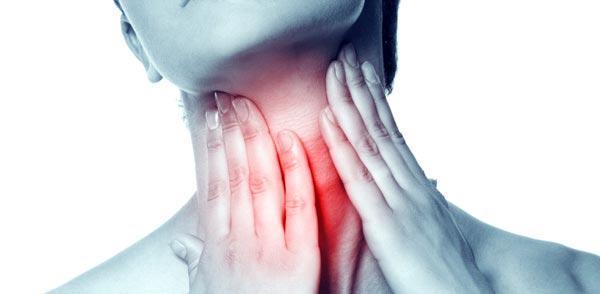 11 روش درمان گلودرد شدید در خانه