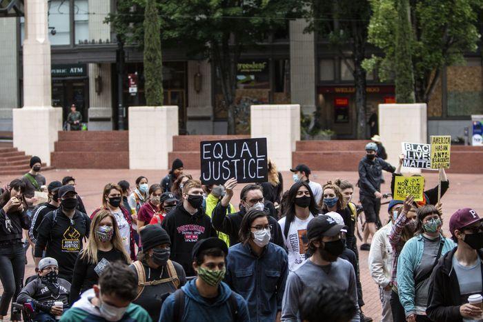 خبرنگاران تلاش معترضان آمریکایی برای ایجاد منطقه خودمختار در پورتلند
