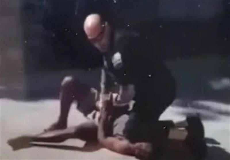 ادامه جنجال درباره استفاده پلیس آمریکا از تکنیک قراردادن زانو روی سر و گردن افراد