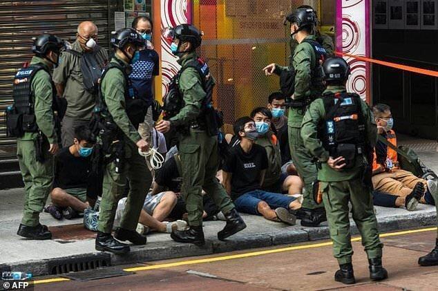 بازداشت 300 تن در اعتراضات هنگ کنگ