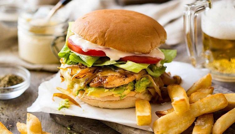 طرز تهیه همبرگر مرغ خانگی لذیذ با دو روش عالی