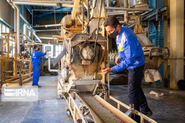 خبرنگاران تسهیلات مورد نیاز 35 واحد صنعتی چهارمحال و بختیاری پرداخت شد