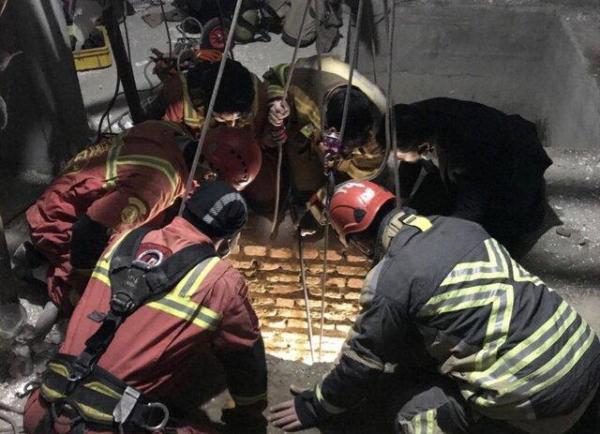 کابوس چاه های نا ایمن برای کارگران، نجات جان کارگر جوان از چاه فروریخته