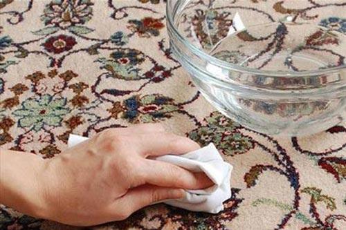 پاک کردن لکه چسب از روی سطوح مختلف
