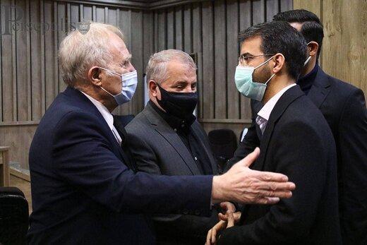 حضور علی پروین در بیمارستان برای پیگیری احوال انصاریان