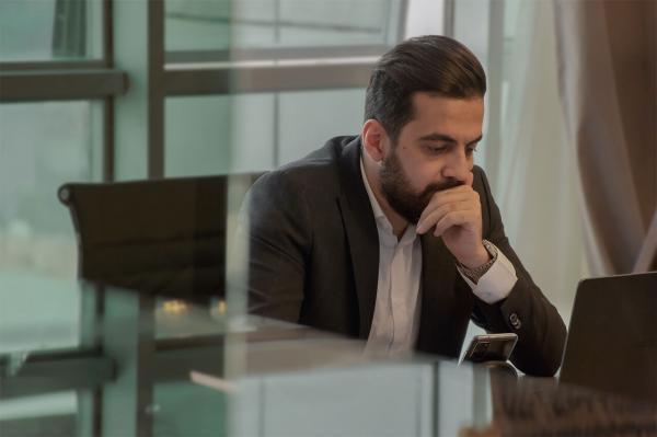 خبرنگاران یک کارآفرین ایرانی مالک اولین توییت تاریخ شد